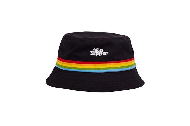 HELLO BUCKET HAT