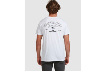 CAPTIVE SHORT SLEEVE TEE  WHITE